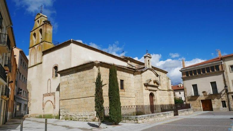Die Kirche San Pedro y San Isidoro in Ciudad Rodrigo (12. Jh.)