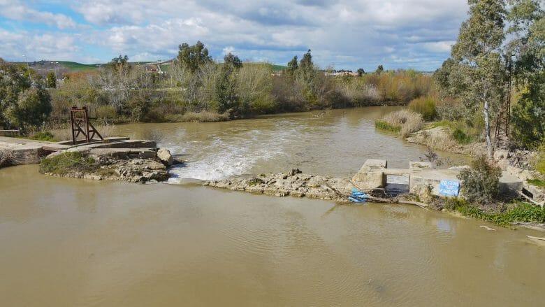 Der Fluss Río Genil bei Écija