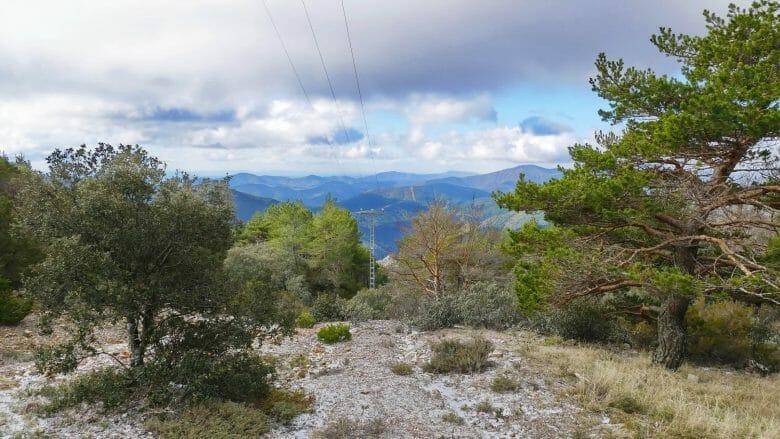 Blick vom Pass El Portillo auf 1240 m Höhe die Sierra de Gata