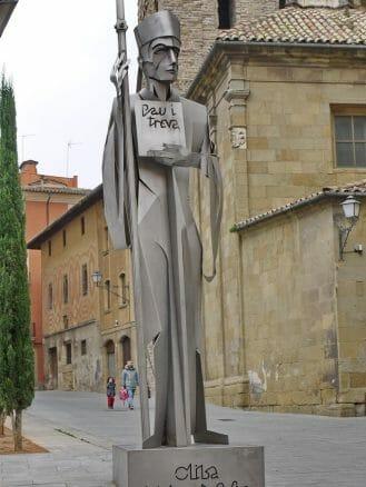 Skulptur des Bischofs Oliba