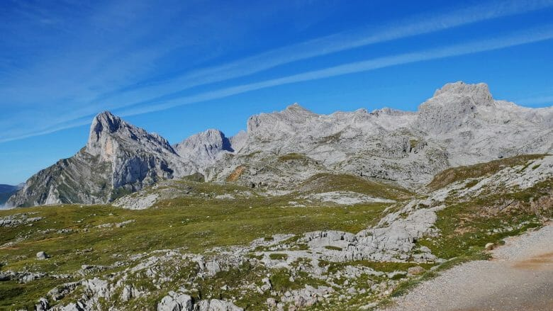 Blick auf den Peña Vieja im Macizo Central der Picos de Europa