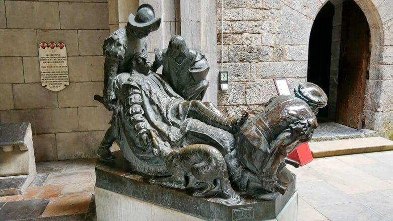 Skulptur des verletzten Ignatius von Loyola