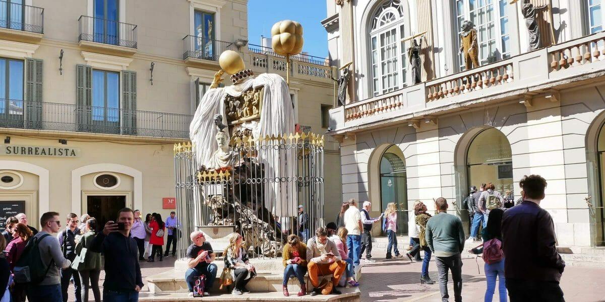 Figueres, sehenswerte Stadt in der Provinz Girona mit dem Dali-Museum