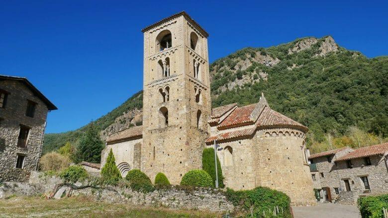 Romanische Kirche (Beget)