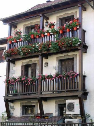 Haus mit Blumen