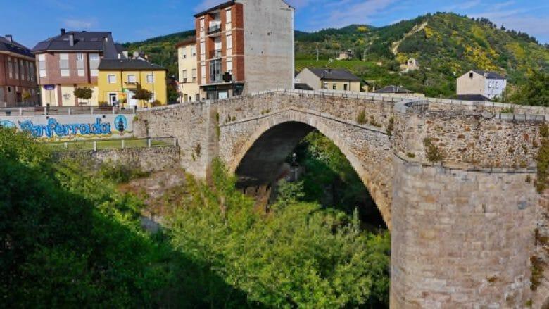 Mittelalterliche Brücke