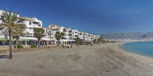 Roquetas de Mar: Ein moderner Ferienort mit gepflegten Stränden