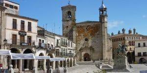 Die Plaza Mayor in Trujillo ist eine der Sehenswürdigkeiten in Trujillo