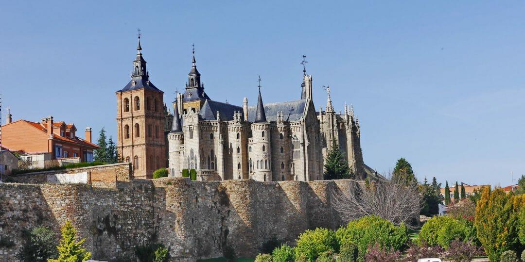 Der Bischofspalast, einer der Sehenswürdigkeiten in Astorga