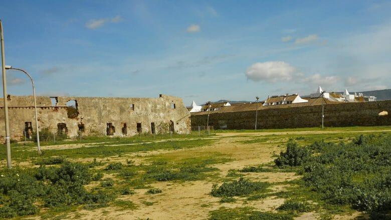 Ruinen der Burg in Zahara