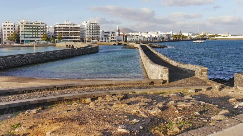 Arrecife, Stadtansicht vom Meer